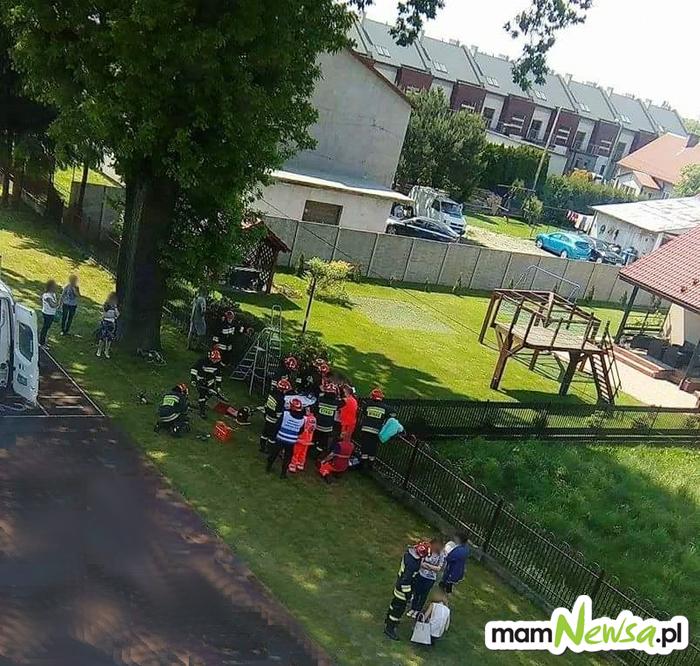 Nieszczęśliwy wypadek. 13-latek nabił się na ogrodzenie