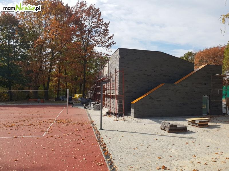 Kończą się prace przy budowie kortów tenisowych [FOTO]