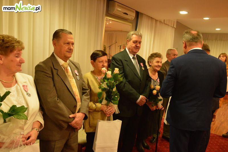 Piękna uroczystość! Pary małżeńskie z gminy Andrychów świętują Złote Gody [FOTO]