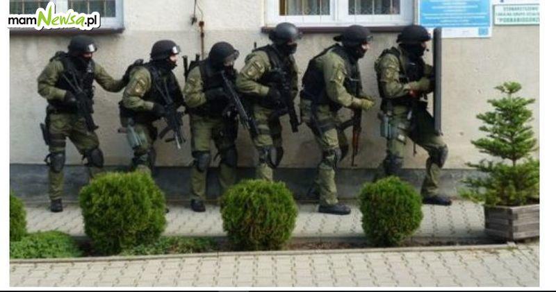 Akcja andrychowskiej policji. Zatrzymane osoby, ujawnione narkotyki i amunicja