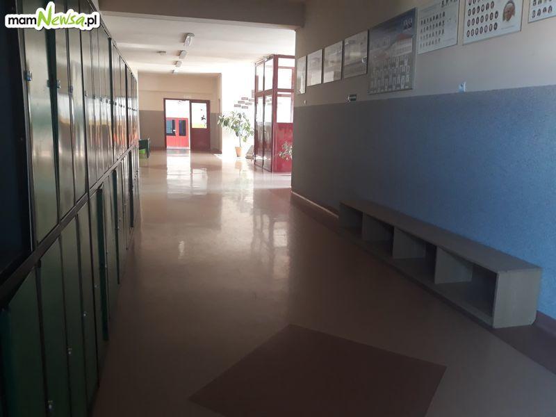 Po świętach uczniowie nie wrócą do szkół. Na ten moment tak to wygląda