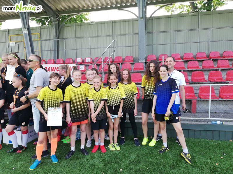 Dziewczyny ze szkoły w Nidku czwartą drużyną województwa małopolskiego w piłce nożnej!