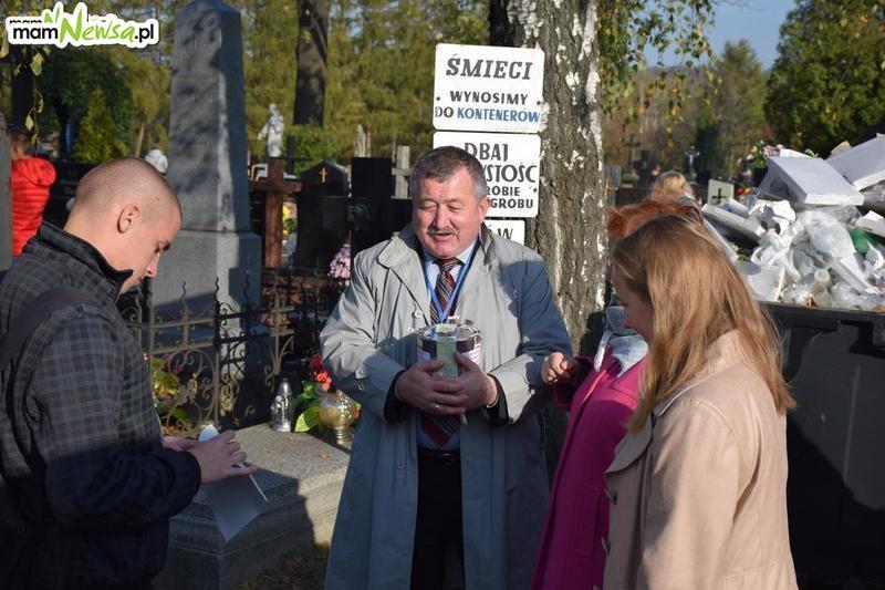 Kolejna udana kwesta na andrychowskim cmentarzu