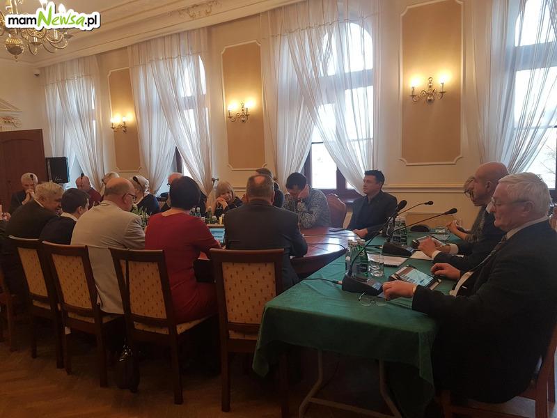 W kwietniu odbędą się sesje zdalne Rad Miejskich