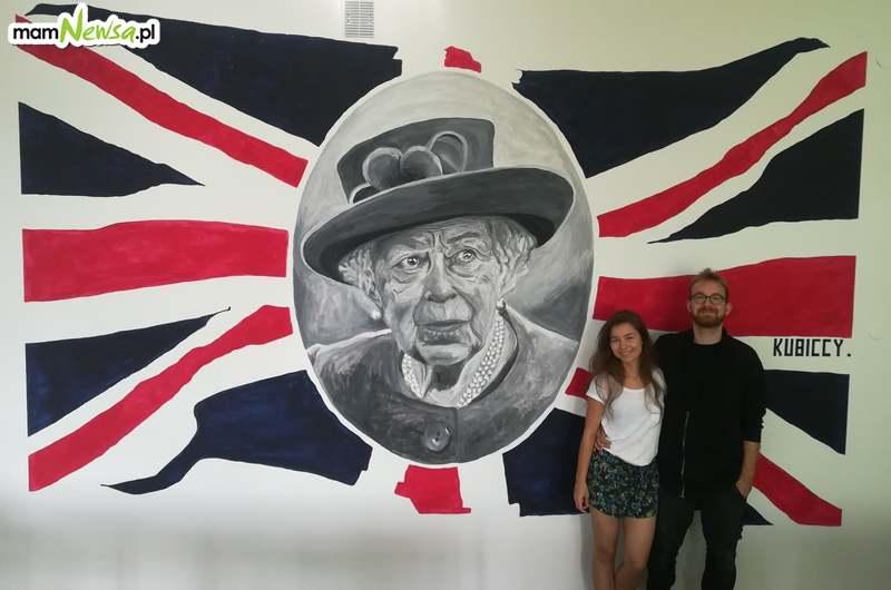 Niezwykły mural w sali lekcyjnej andrychowskiego liceum