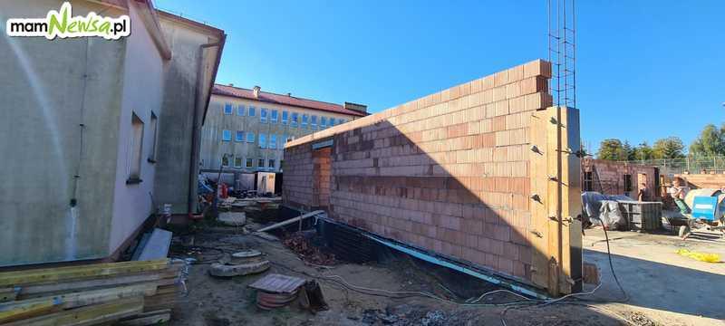 Trwa budowa nowej sali gimnastycznej przy podstawówce [FOTO]