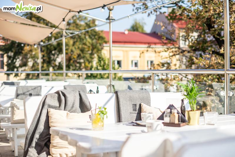 Skorzystaj z ostatnich dni pięknej pogody, na tarasie restauracji Mickiewicza