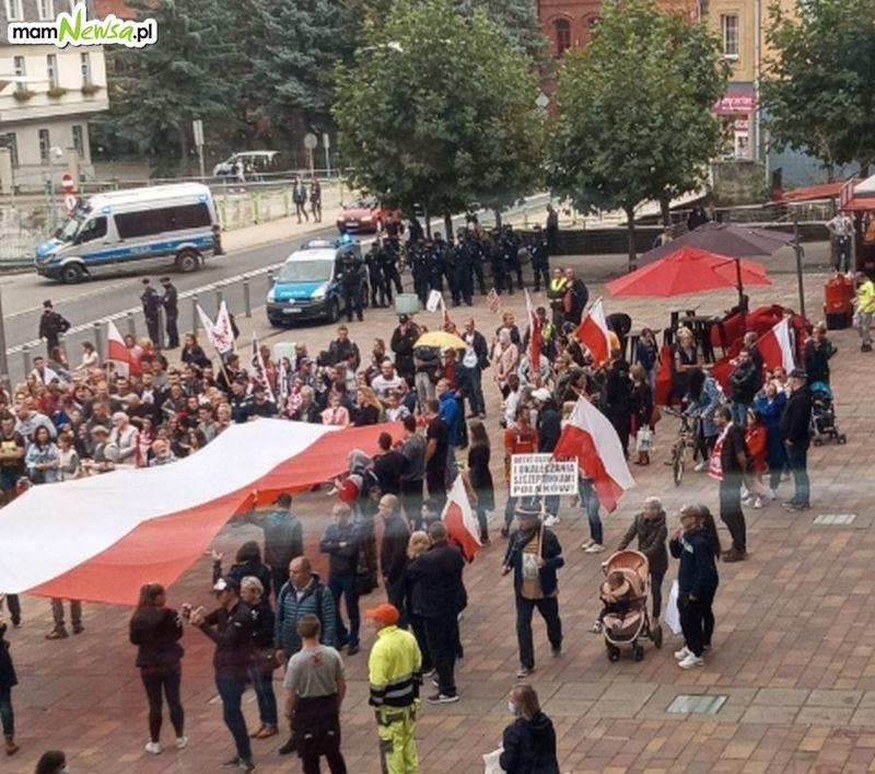 W sobotę antycovidowcy policzą się w Andrychowie