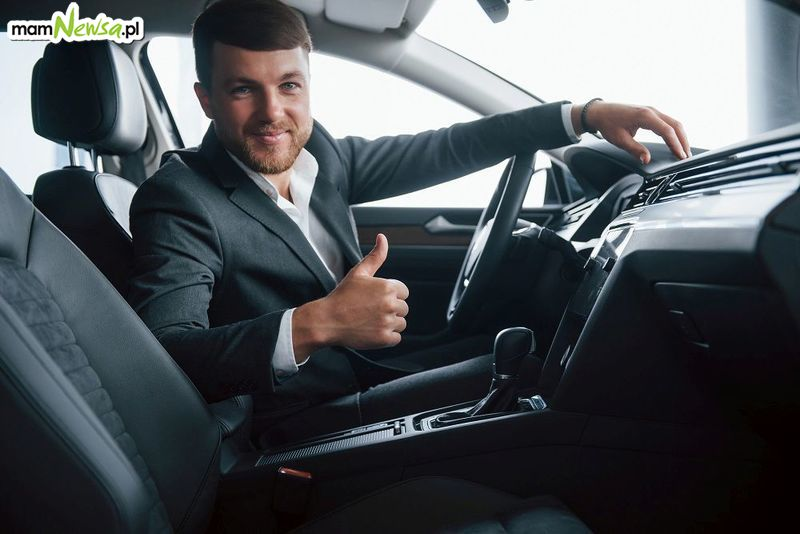 Ubezpieczenie samochodu – czy warto korzystać z porównywarki OC?