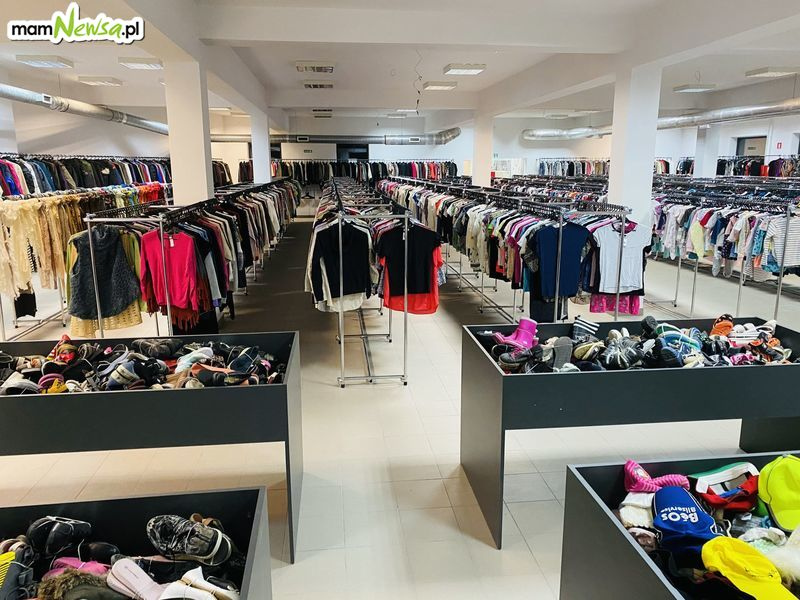 Bazar Odzieżowy w nowej lokalizacji. Świąteczna promocja!