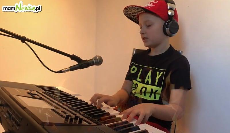 9-letni Michał zaśpiewał żeby pomóc