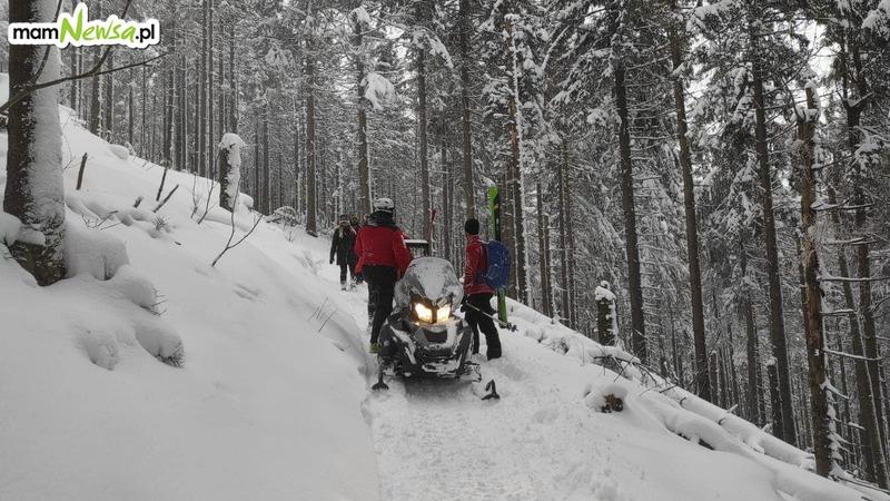 Akcja ratownicza w górach. Turyści w hipotermii z odmrożeniami kończyn