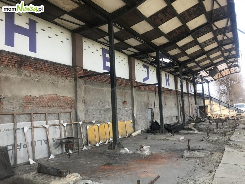 Stara trybuna na stadionie Hejnału przechodzi do historii