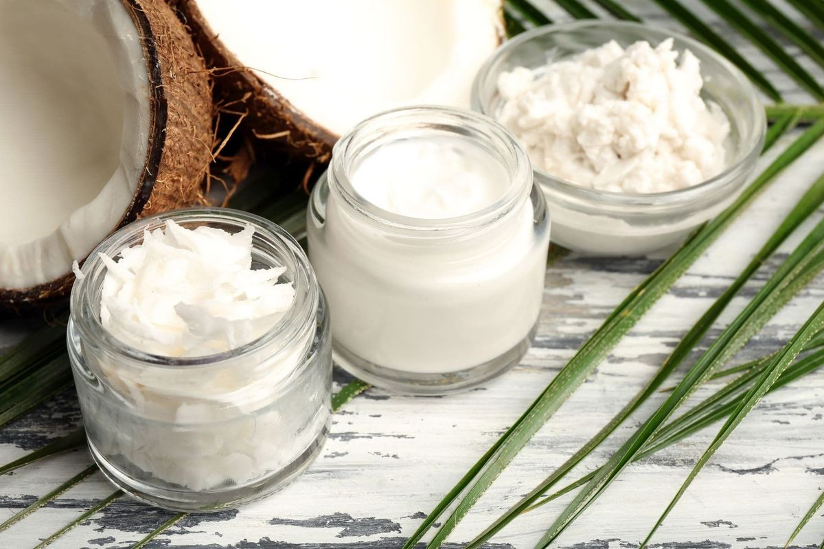 Kosmetyki z olejem kokosowym - dlaczego warto je stosować?