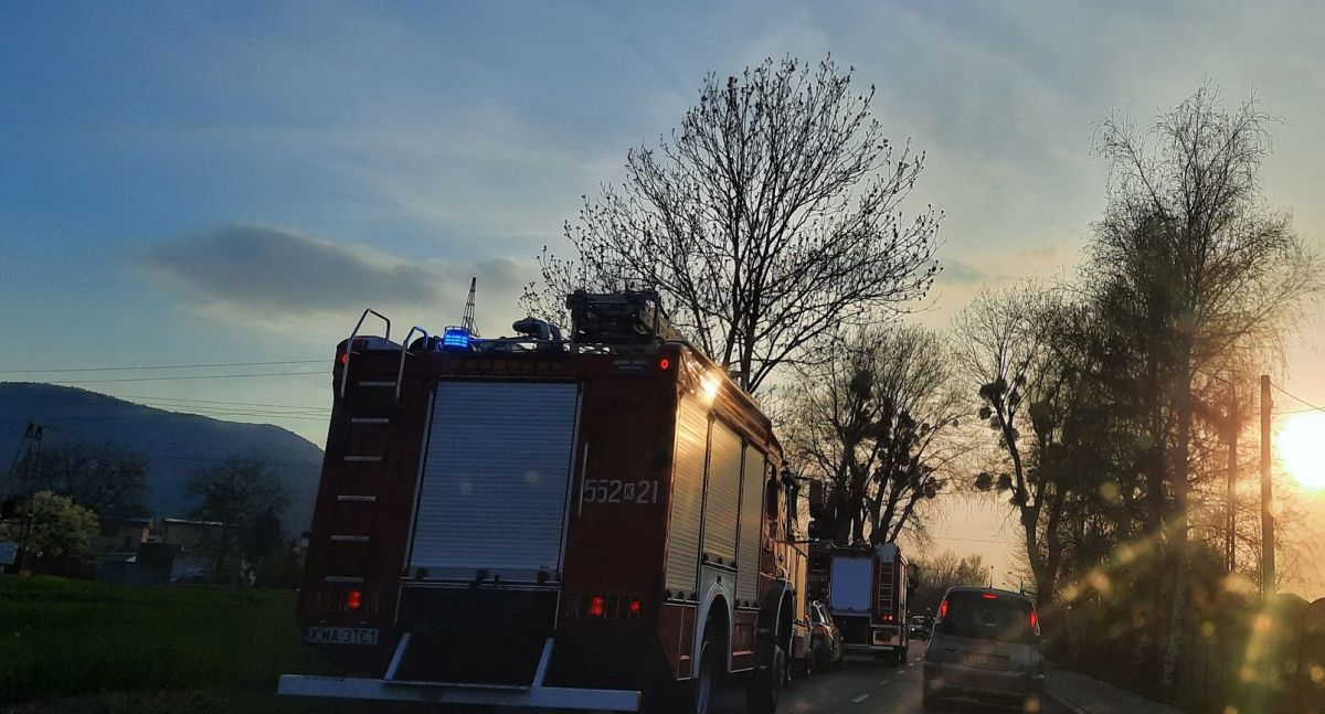 Pożar samochodu, interwencja strażaków