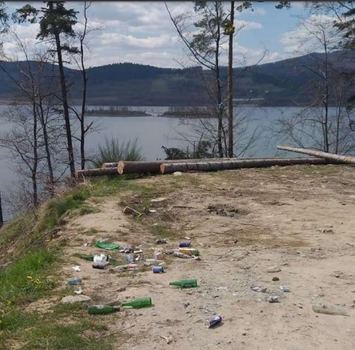 Koszmar nad Jeziorem Mucharskim! [FOTO]
