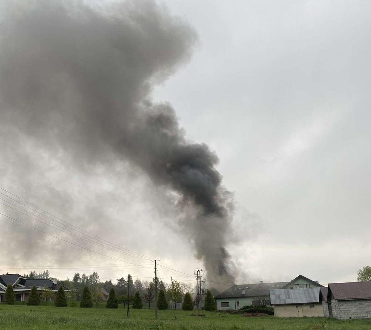 Pożar w Leńczach, strażacy w akcji [FOTO]
