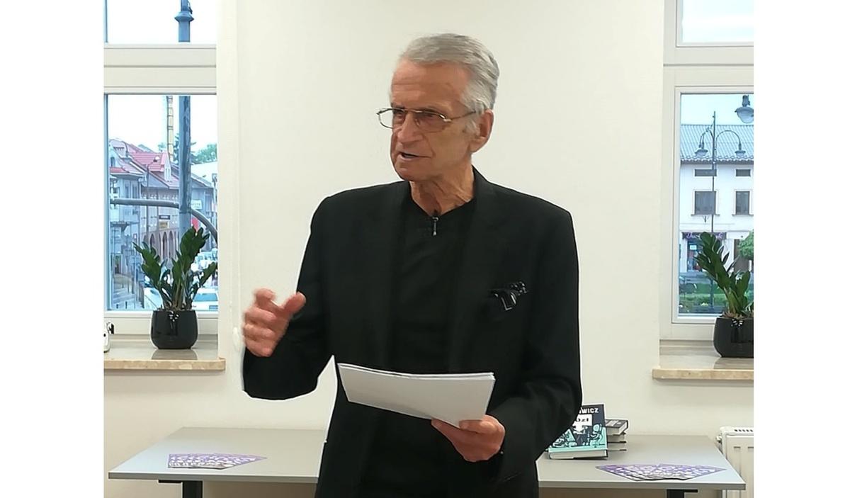 Pierwsze spotkanie autorskie w kamienicy nr 13. Gwiazdą wieczoru był Jacek Fedorowicz