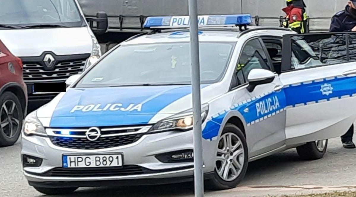 Policjanci zatrzymali pijanego kierowcę. Nie miał nawet uprawnień i polisy