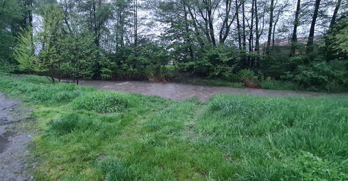 Ciągle pada, podnosi się stan rzek [AKTUALIZACJA]