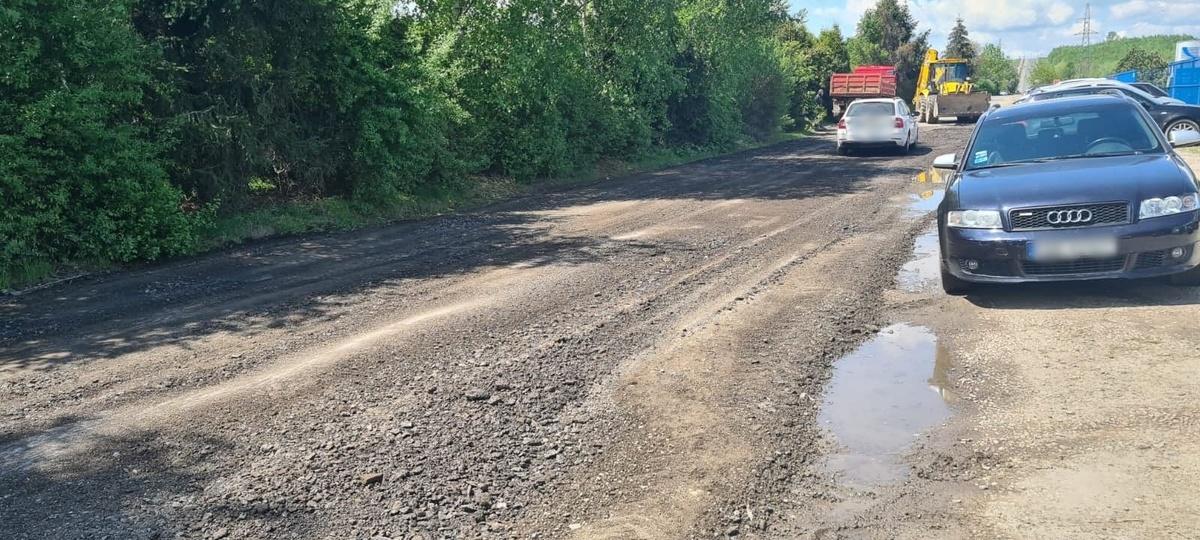Czy rozpoczął się remont najbardziej dziurawej drogi gminnej w mieście?