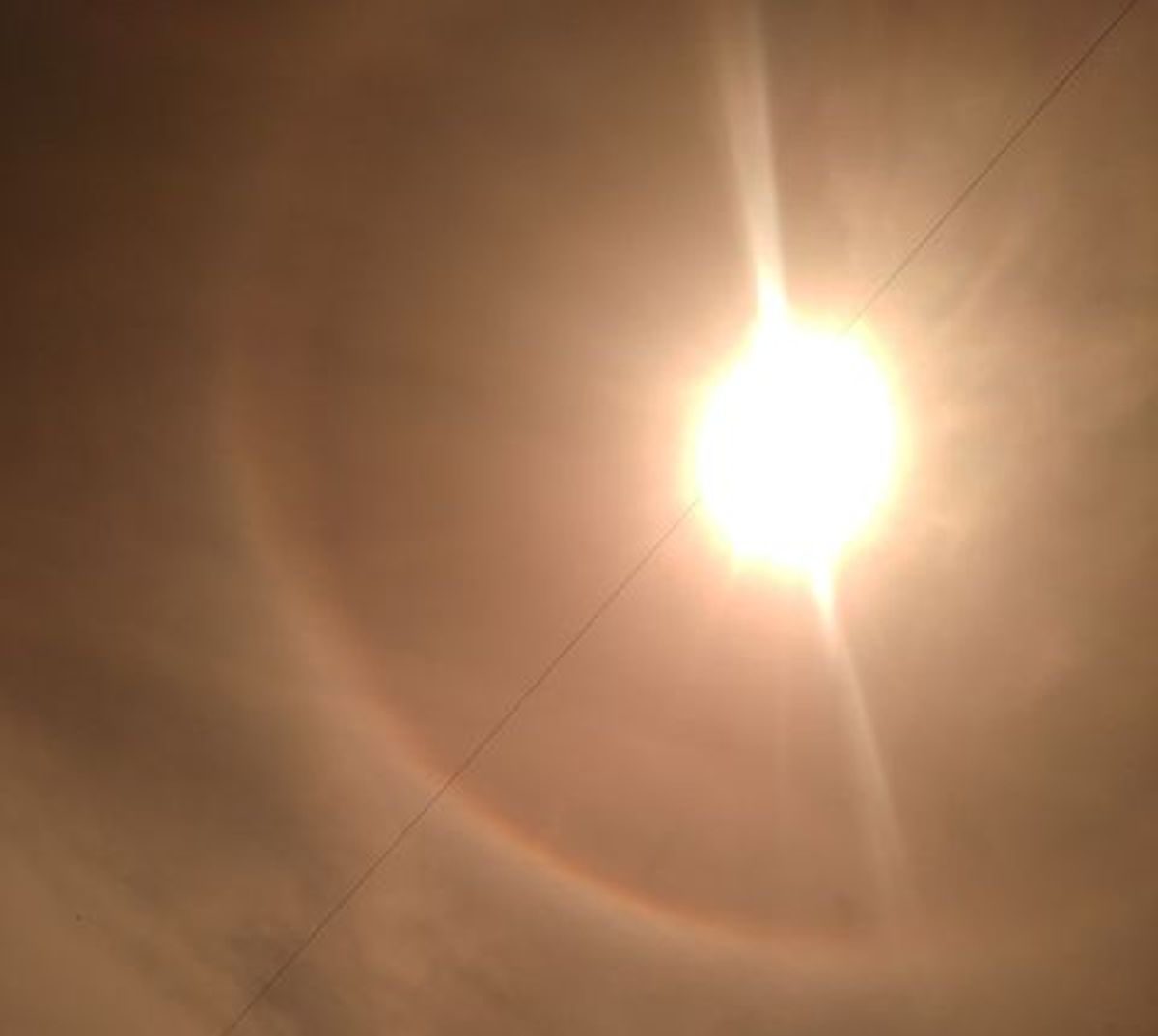 Ciekawe zjawisko. Słońce w aureoli