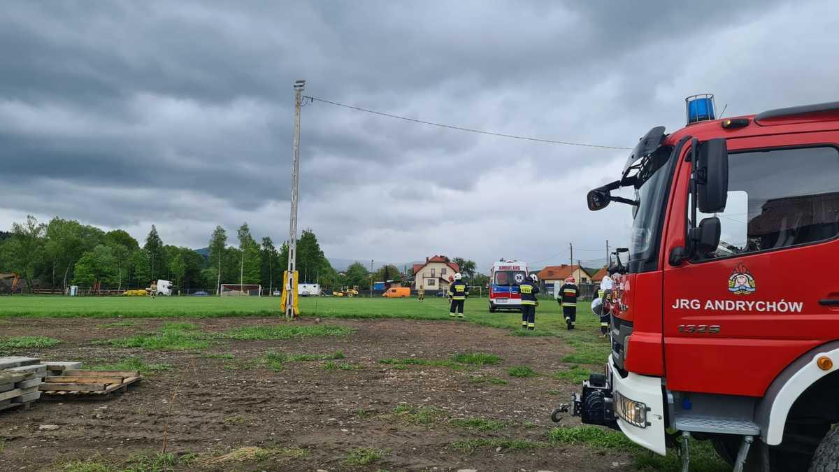 Akcja ratownicza w Andrychowie, wezwano śmigłowiec Lotniczego Pogotowia Ratunkowego