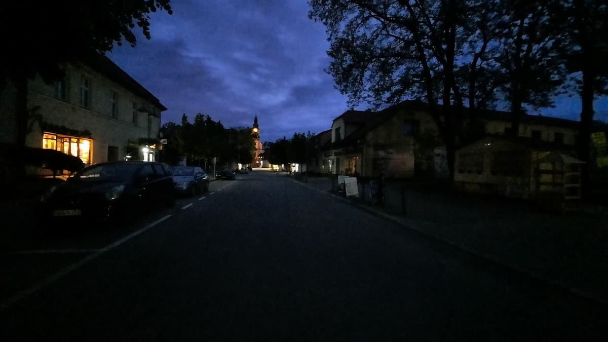 Ciemności w centrum miasta