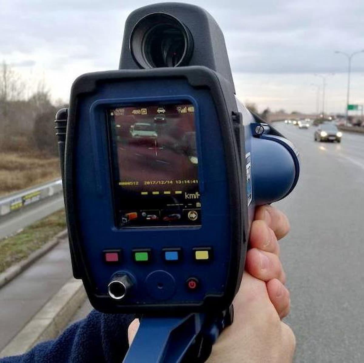 Kolejni kierowcy utracili prawo jazdy za nadmierną prędkość