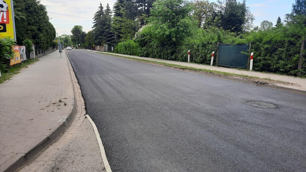 Nowy asfalt na Dąbrowskiego