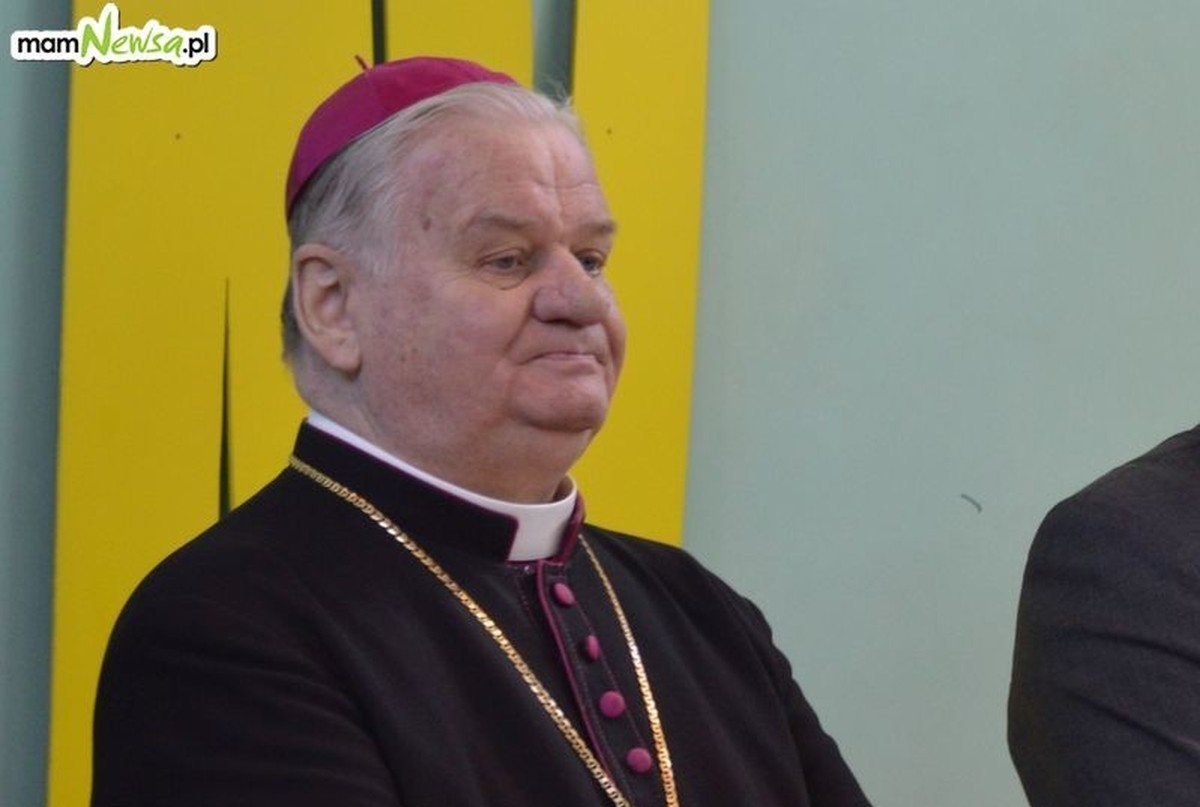 Emerytowany biskup straci honorowe obywatelstwo Kęt?