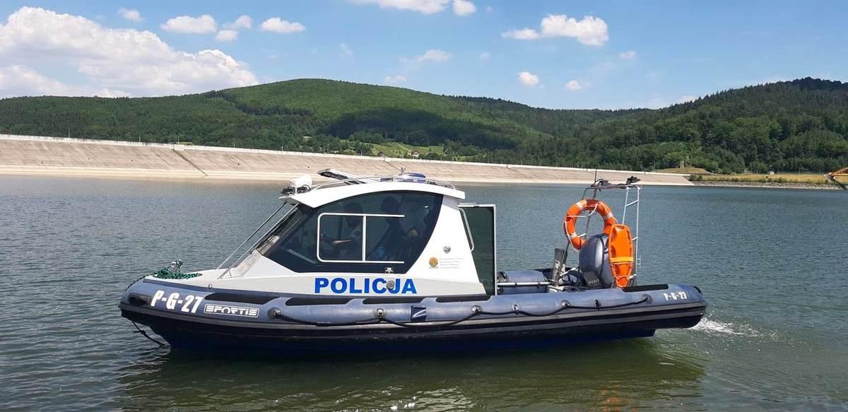 Policjanci rozpoczęli patrole na Jeziorze Mucharskim