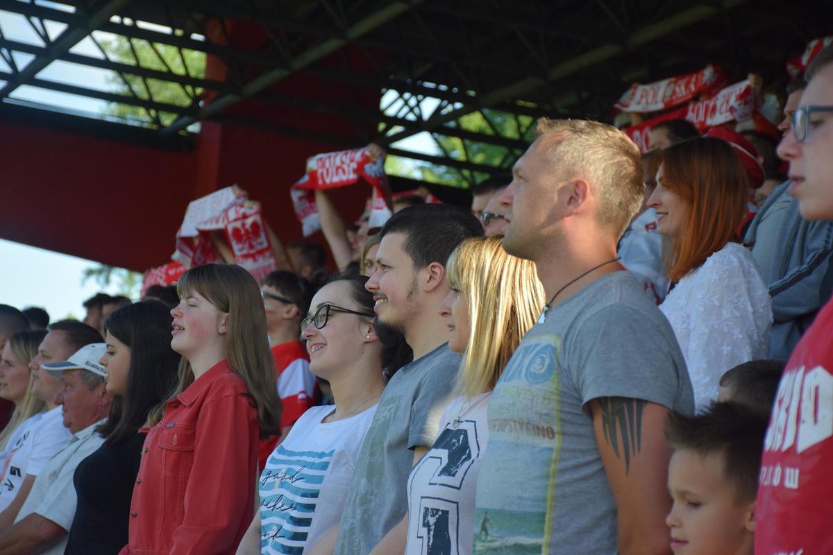 Strefa kibica na stadionie w Andrychowie. Pierwszy mecz Polaków [FOTO] [AKTUALIZACJA]