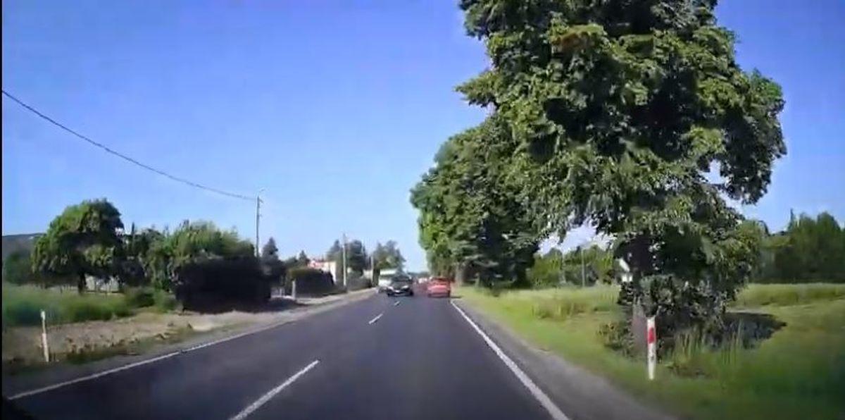 Było o krok od tragedii na drodze Andrychów - Wadowice [VIDEO]