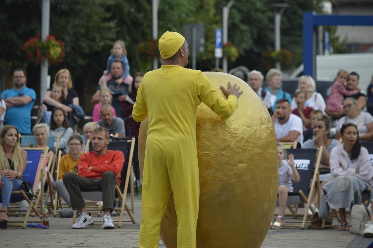 Spektakl dla dzieci i dorosłych na placu Mickiewicza [FOTO]