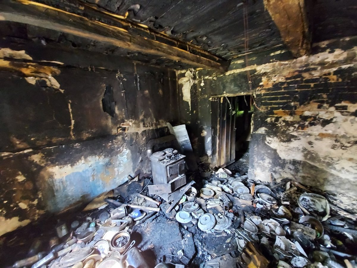 Po pożarze w Kętach dom mieszkalny nie nadaje się do użytku. Jest zbiórka na odbudowę