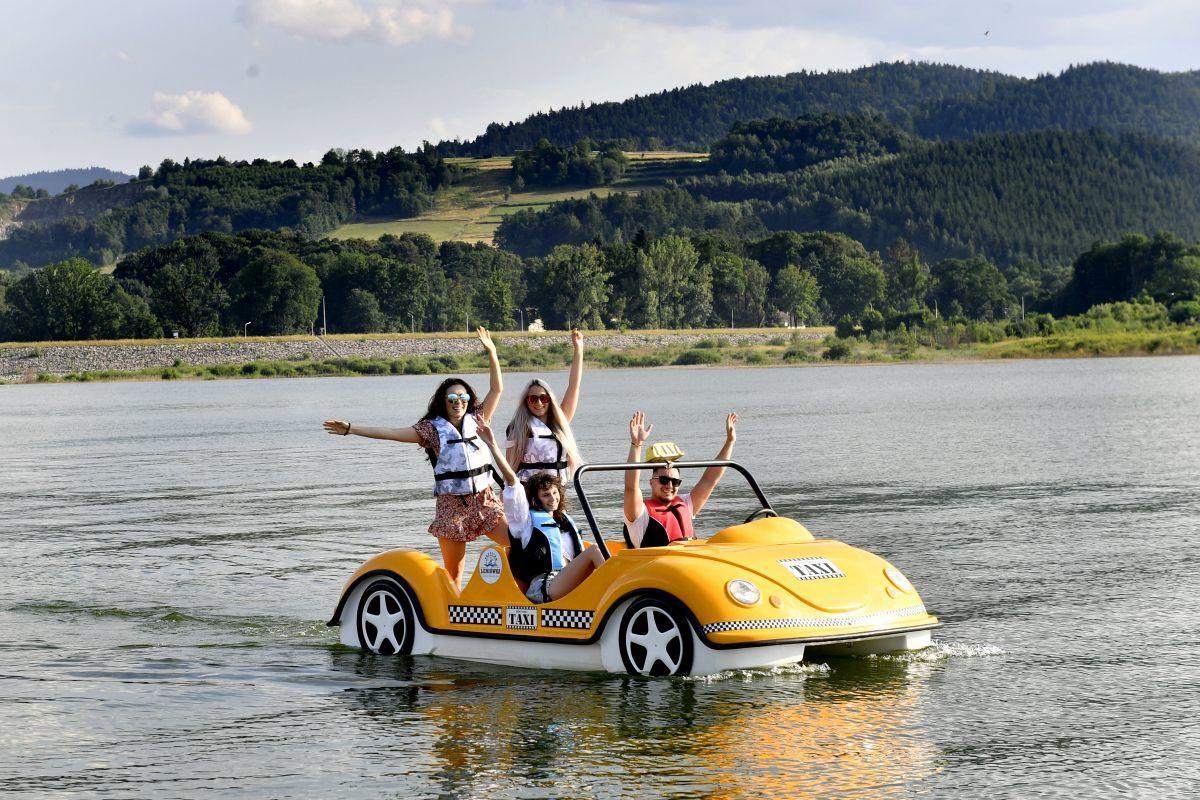 Atrakcje na wakacje nad Jeziorem Mucharskim. Przystań Leniówka [VIDEO]