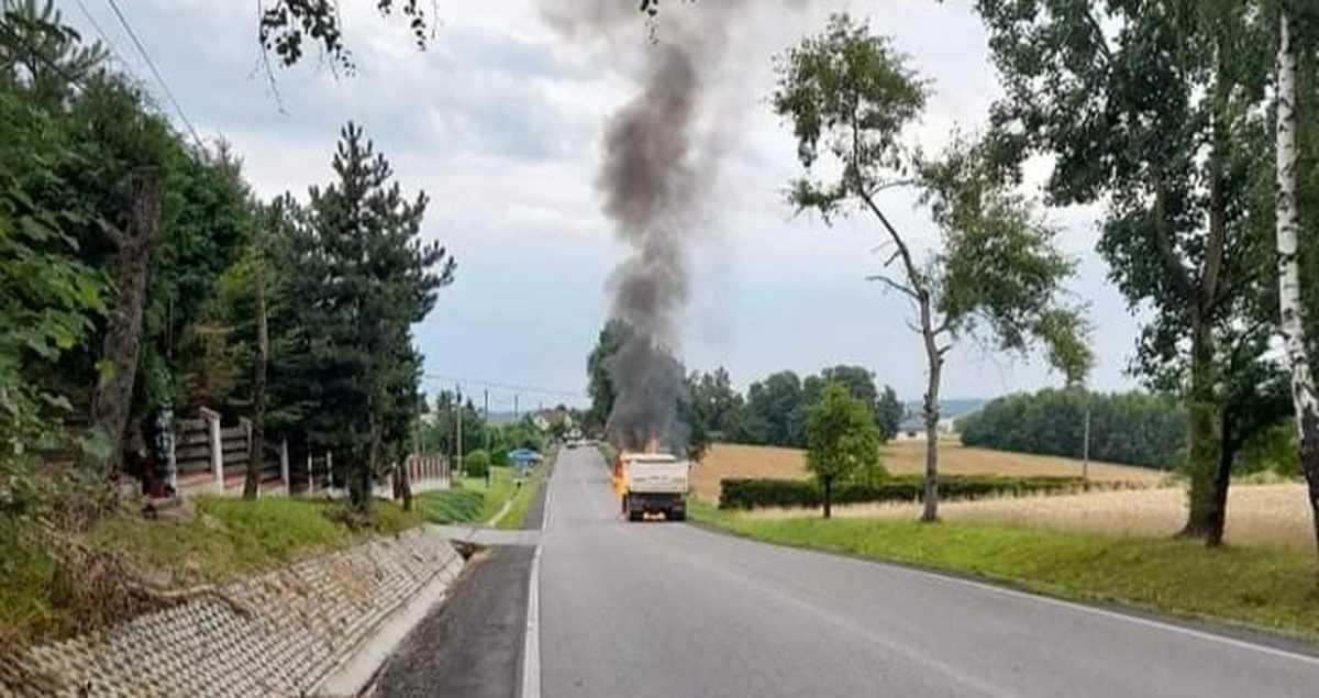 Pożar ciężarówki na powiatówce