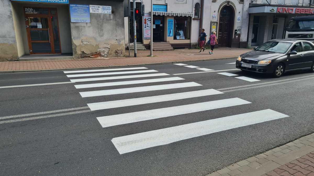 Pasy w Andrychowie pomalowane na nowo!