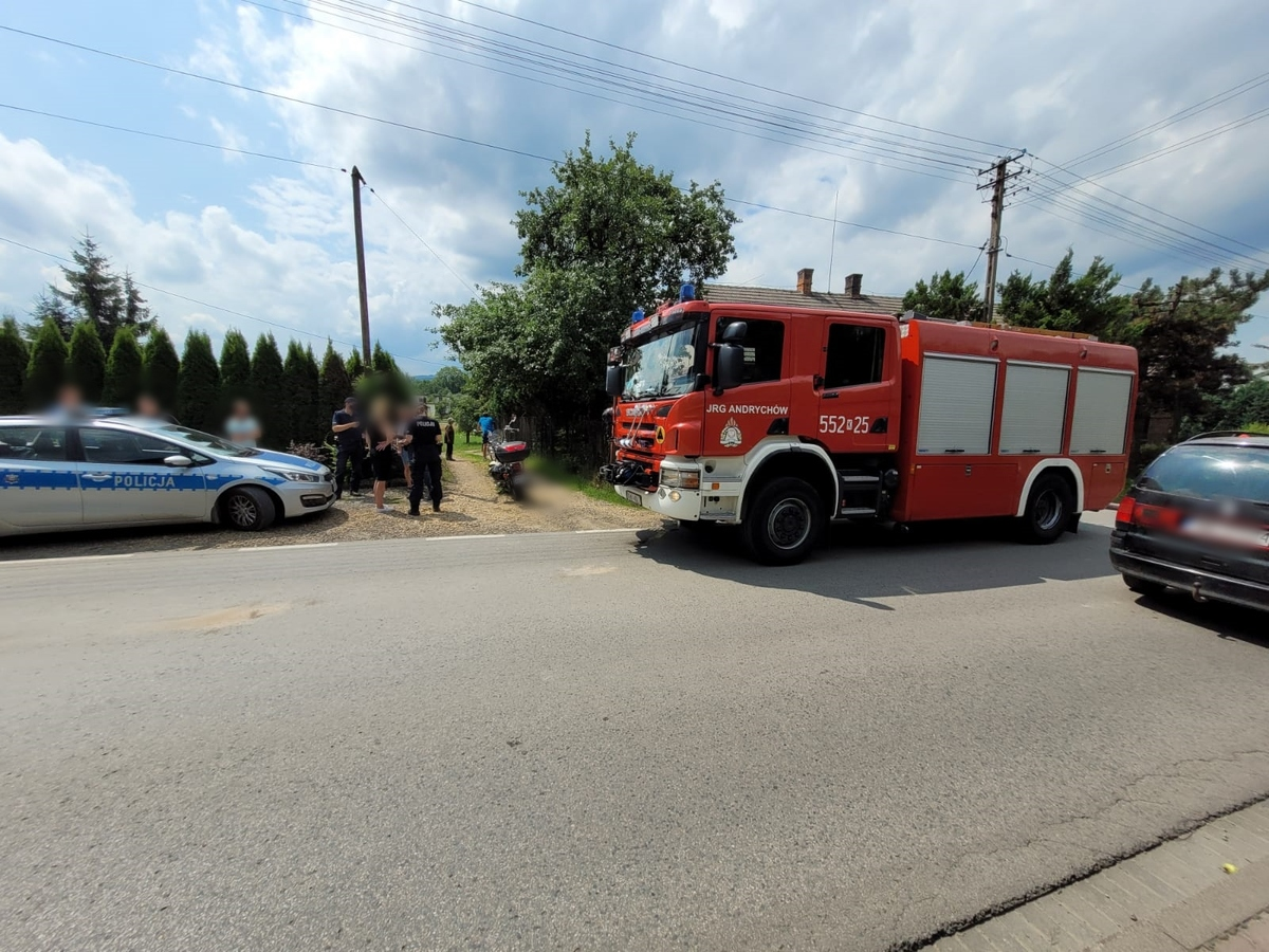Zderzenie samochodu z motocyklem w Andrychowie