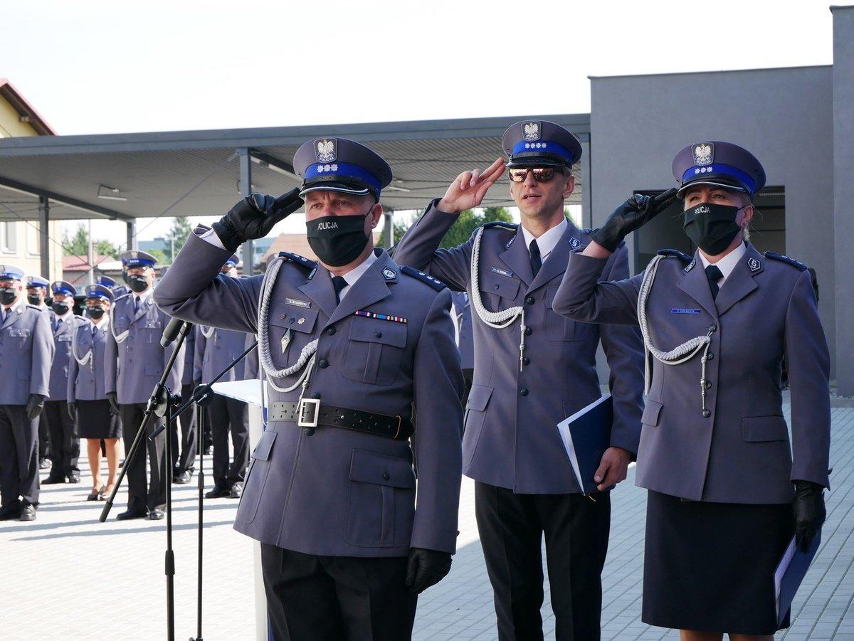 Policjanci po raz pierwszy świętowali przed nową komendą [FOTO]