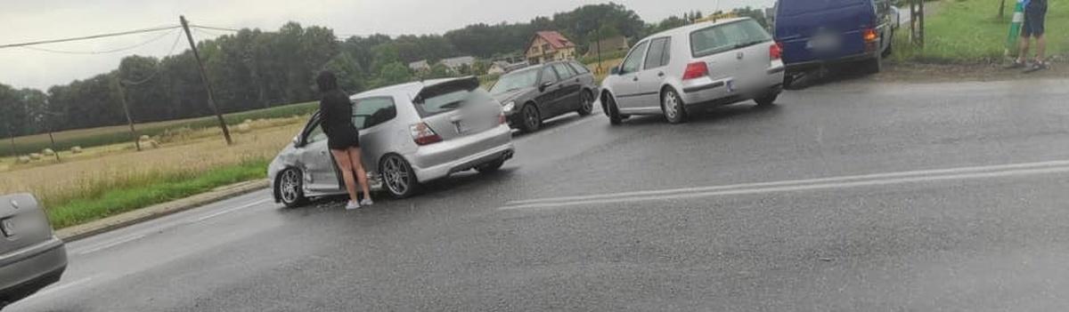 Kolizja z udziałem dwóch pojazdów