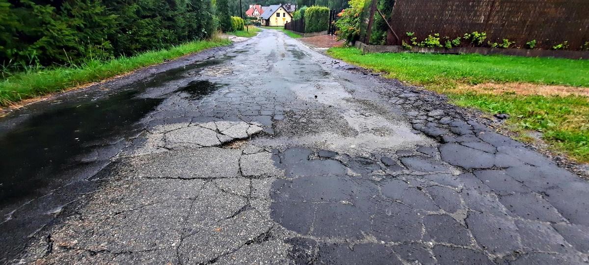 Ważna droga w Sułkowicach jak puzzle