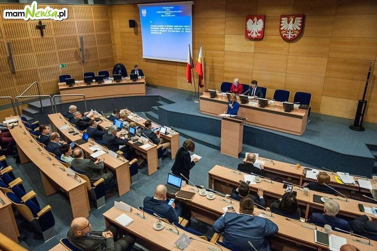 Przez radnych PiS Małopolska straci miliardy na inwestycje?