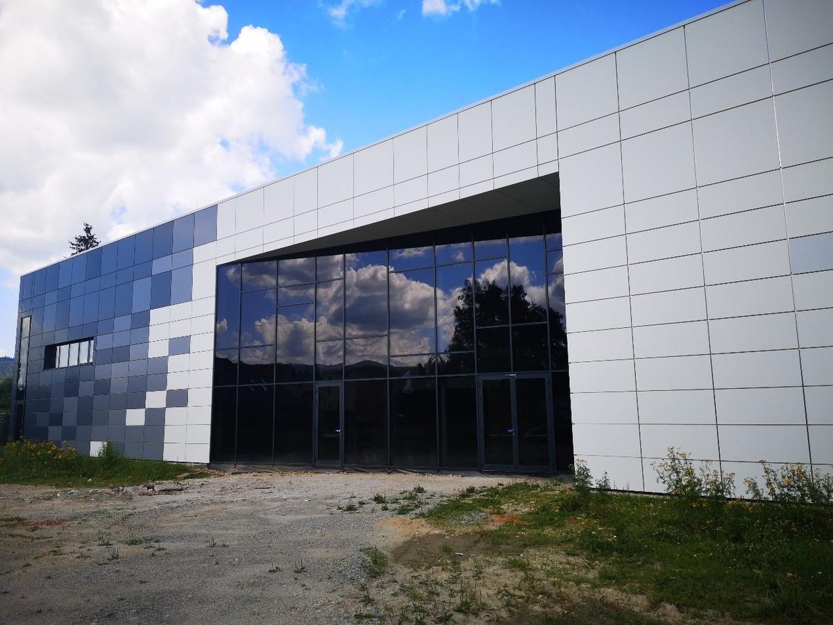 Nowe Centrum Kultury zdobi zwierciadło odbijające krajobraz
