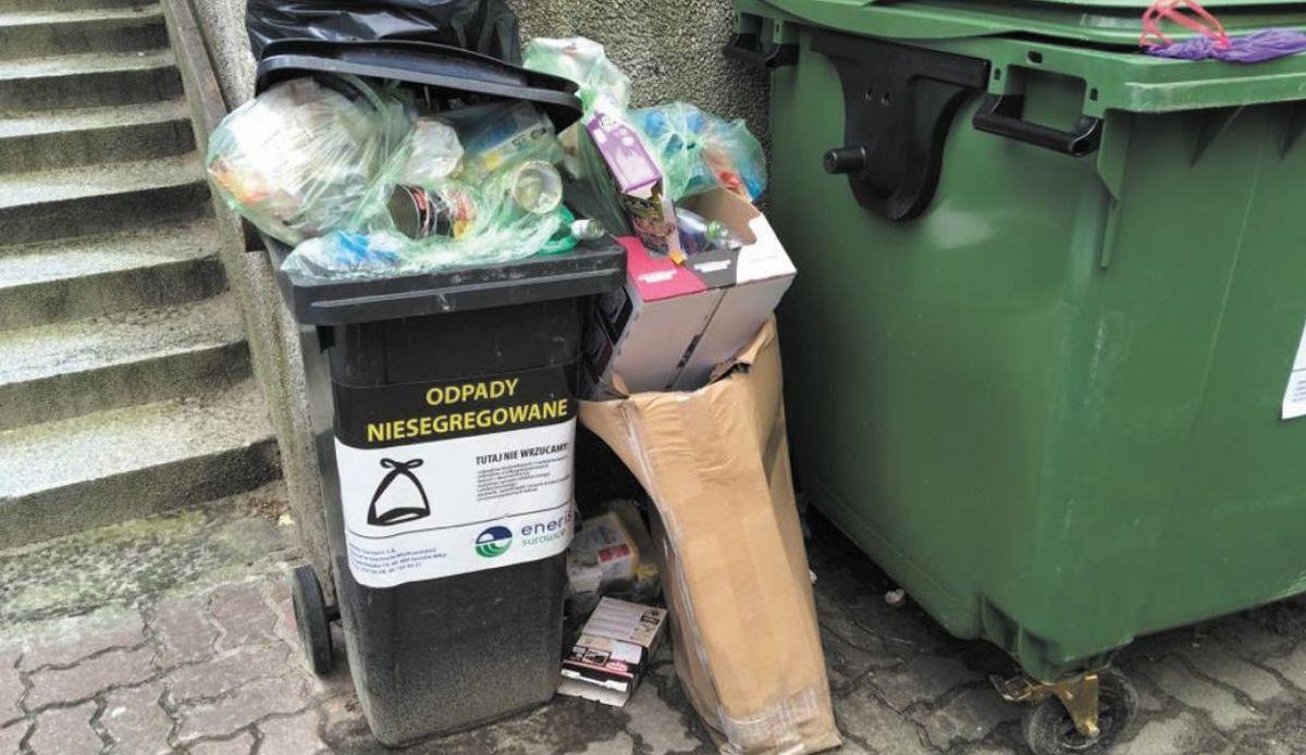 Znowu podnoszą opłaty za wywóz śmieci!