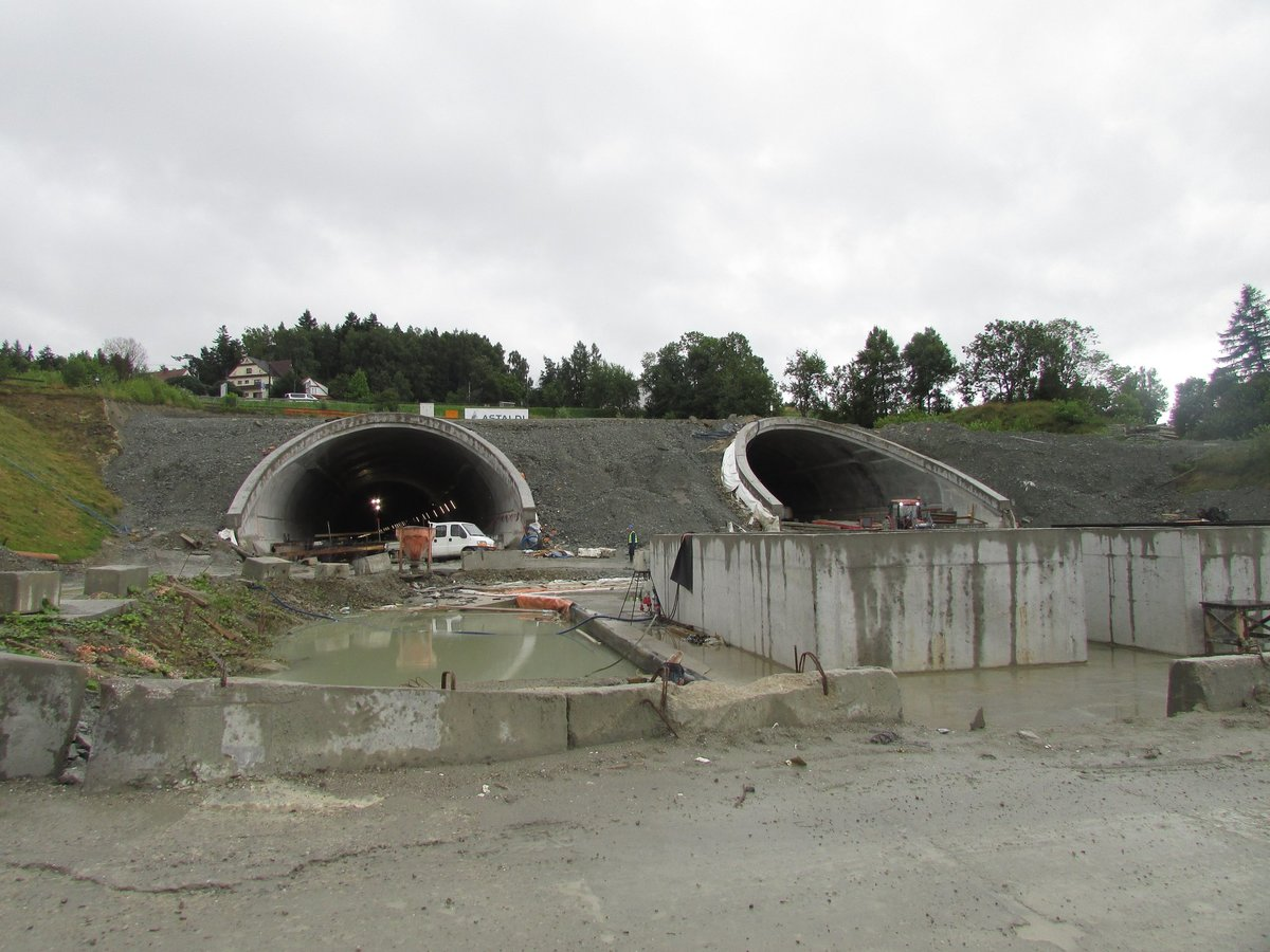 Otwarcie tunelowego odcinka zakopianki może się jeszcze opóźnić
