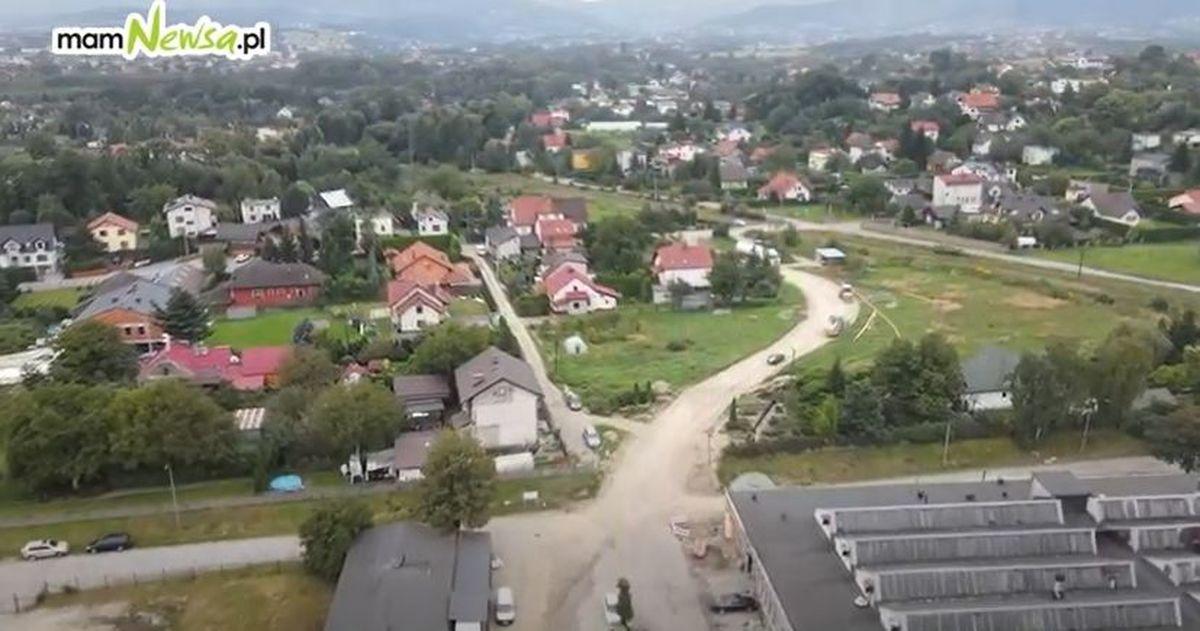 Budowa nowej drogi w Andrychowie z lotu ptaka