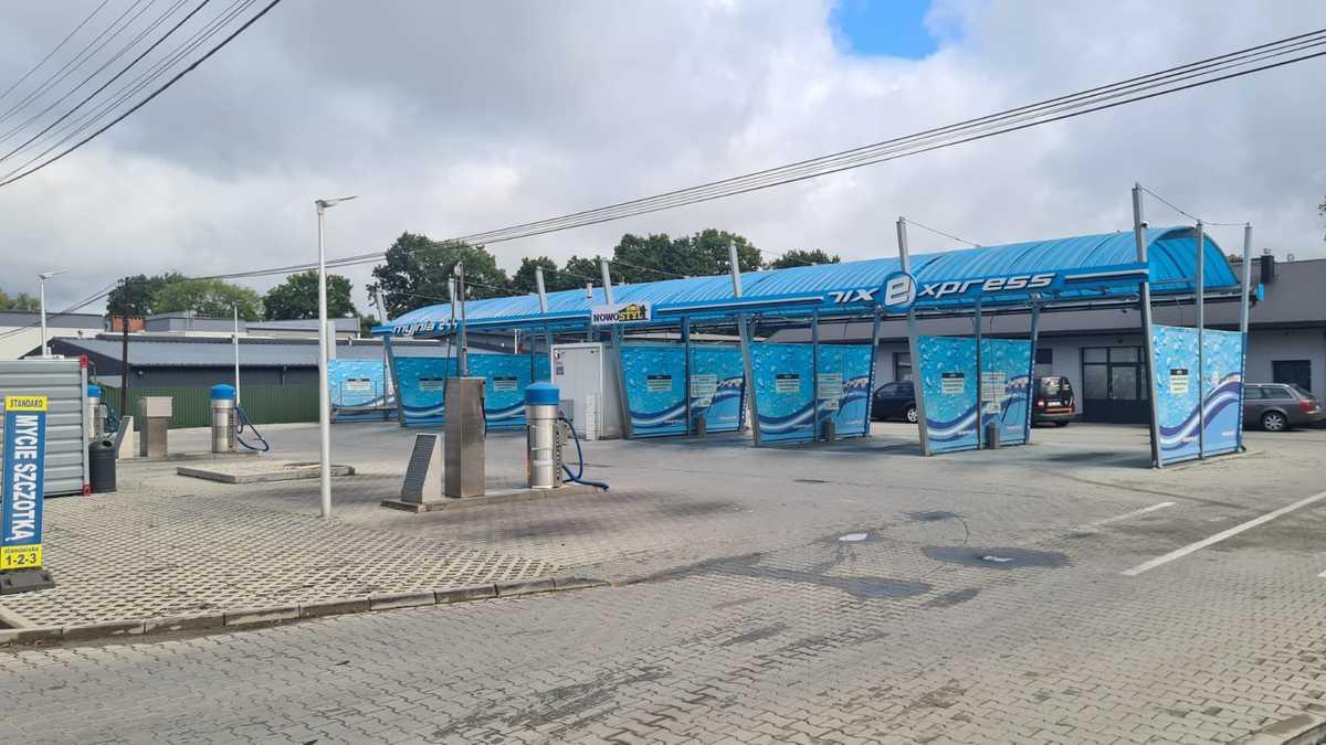 Nowoczesna samoobsługowa myjnia samochodowa w Andrychowie