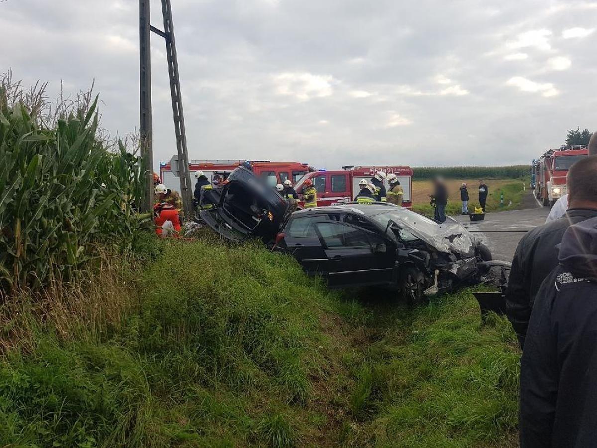 Poważny wypadek na trasie Andrychów - Zator. Są poszkodowani [FOTO]